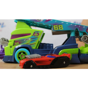 HOT WHEELS autići na kasa displeju MAN3758