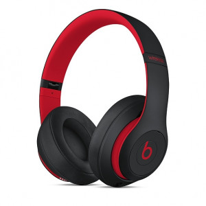 DR.DRE Beats Studio3 Wireless Over-Ear Headphones - The Beats Decade Collection - Defiant Black-Red MRQ82ZM/A