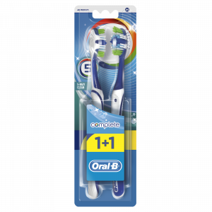 ORAL B četkica za zube complete 5 way 40 med 1+1 gratis